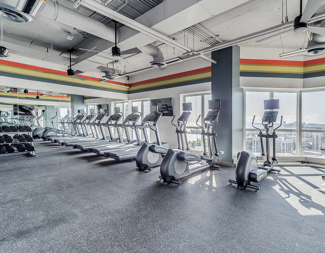Hyde Park Towers - Chicago, IL - Gym