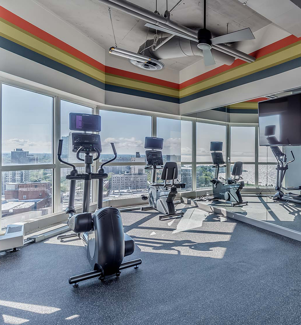 Hyde Park Tower - Chicago, IL - Gym
